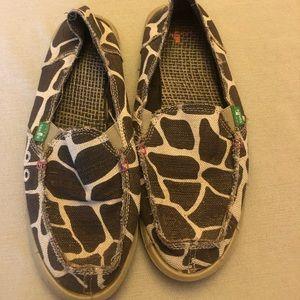 Sanuk giraffe print shoes